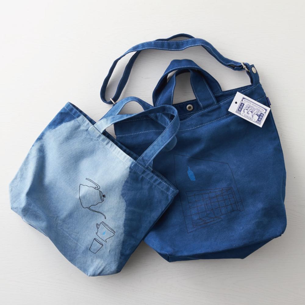 ほんの少しの傷により、販売できずに眠ってしまっているバッグに着目し、その「再生」をテーマにコラボレートが実現。BUAISOUの手仕事により、ただ美しいだけでなく、バッグの持つ欠点も包み込まれた深い魅力に仕上がった。